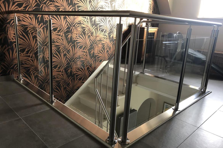 Glazen balustrade traphal
